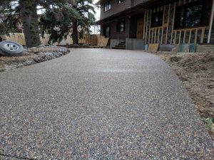 Curved exposed driveway